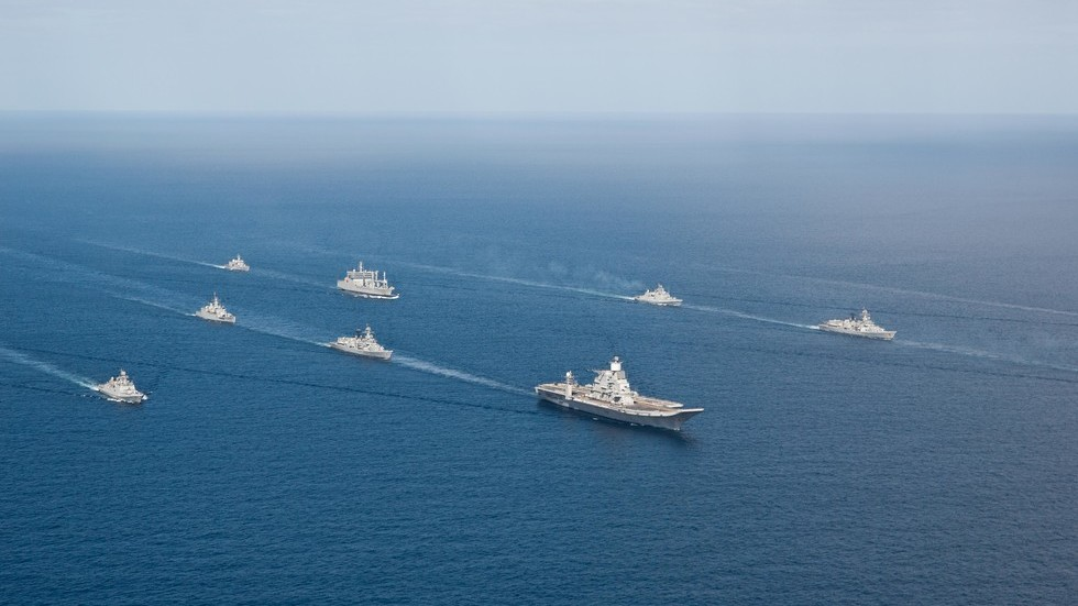 Indian Navy deploys aircraft carrier & nuclear subs to deter 'misadventures' by Pakistan