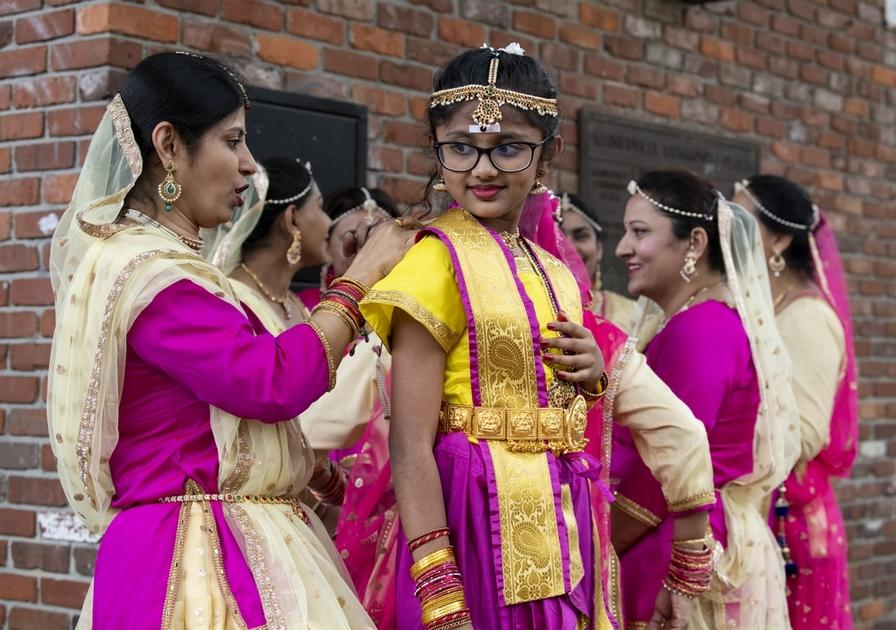 India Fest serves up music, dance and food downtown