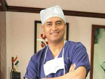 Indian cardiac surgeon examines Bangladesh minister in Dhaka after special request from PM Hasina